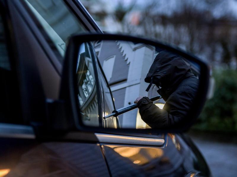 Im Corona-Jahr 2020 ist die Zahl der Autodiebstähle in Deutschland stark gesunken. Foto: Axel Heimken/dpa (© Axel Heimken)