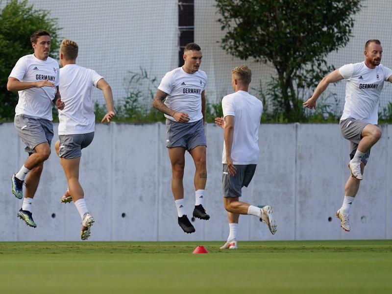 Bereit für Brasilien: Deutschlands Fußballer schauen dem Olmpia-Start entgegen. Foto: Matt Slocum/AP/dpa (© Matt Slocum)