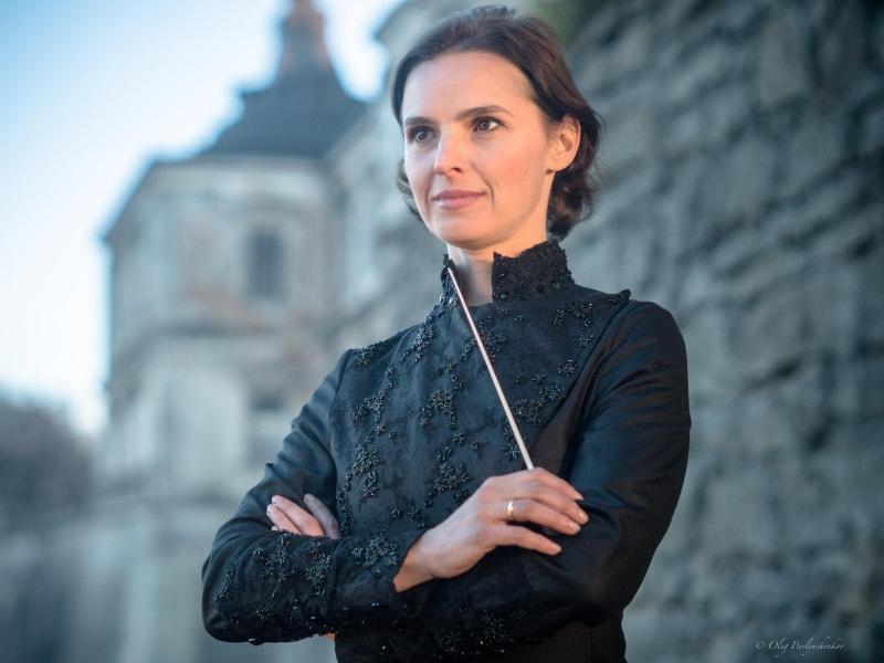 Oksana Lyniv ist die erste weibliche Dirigentin in Bayreuth. Foto: Oleh Pavliuchenkov/Bayreuther Festspiele/dpa (© Oleh Pavliuchenkov)