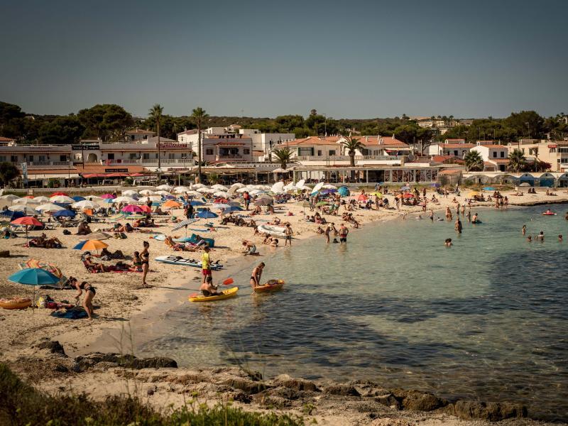 Der Reiseverband DRV schätzt, dass derzeit rund 400.000 Menschen aus Deutschland in Spanien Urlaub machen. Foto: Jordi Boixareu/ZUMA Press Wire/dpa (© Jordi Boixareu)