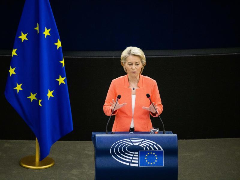 Ursula von der Leyen, Präsidentin der Europäischen Kommission, äußert sich zur Lage der EU. Foto: Philipp von Ditfurth/dpa (© Philipp von Ditfurth)