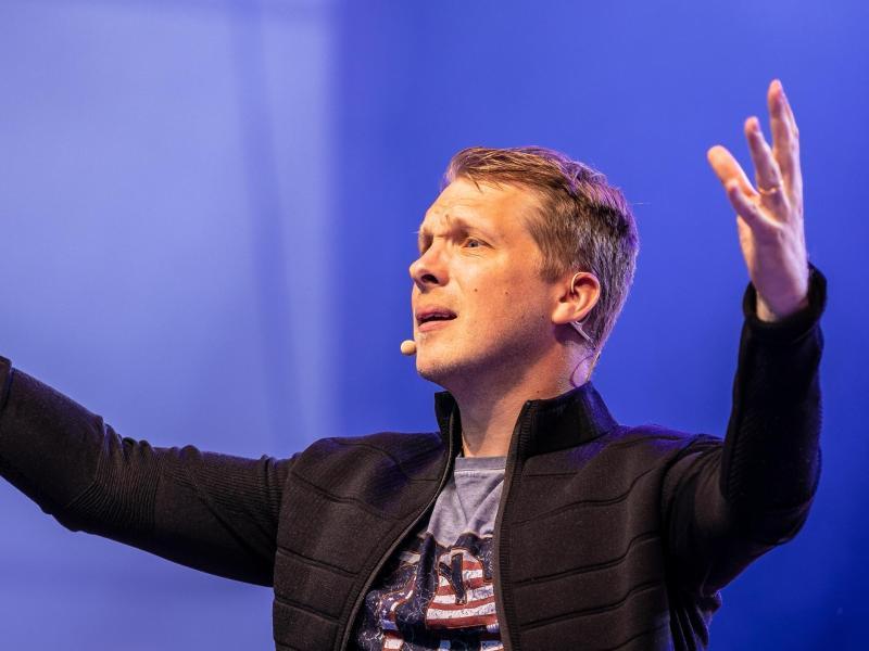 Comedian Oliver Pocher verstieß gegen das Hygienekonzept eines Veranstalters. Foto: Moritz Frankenberg/dpa (© Moritz Frankenberg)