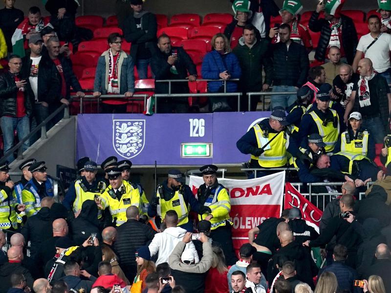 Ungarische Fans fielen in London erneut unangenehm auf. Foto: Nick Potts/PA Wire/dpa (© Nick Potts)