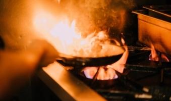 Foto: Schwerer Brand in Zimmerei bei Eglofs - Mehrere Feuerwehren können schlimmeres verhindern