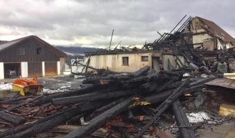 Foto: Schaden nach Brand rund 800.000 Euro - Brandursache bislang nicht geklärt
