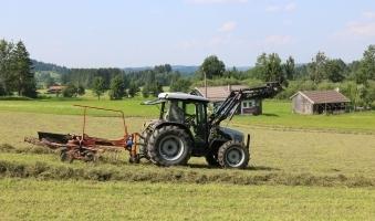 Junge von Traktor in Ronsberg überrollt -