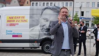 Wahlkampf: FDP-Bus mit Parteichef Lindner in Kempten -
