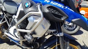 Schwerverletzter Motorradfahrer nach Zusammenstoß mit LKW -